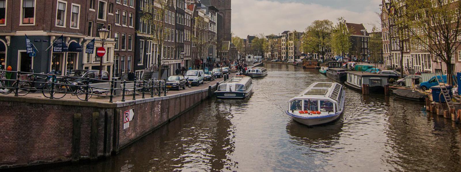 boottochtje op de grachten, Amsterdam