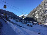Skilift aan het hotel Mallaun