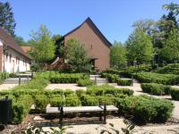 mooie tuinen bij museum Lalique
