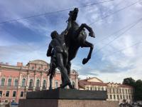 Bronzen beelden op de Paardenbrug