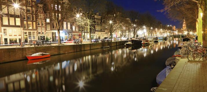 Amsterdamse grachten, kerstmarkt