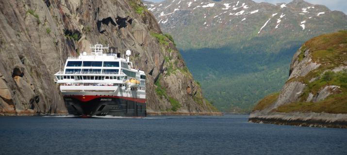 postboot, Hurtigrutte